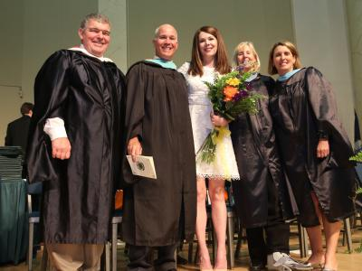 picture of Langley administration and Lauren Graham at graduation ceremony